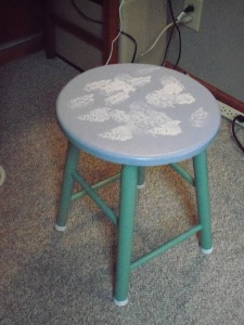 Kitchen stool, short on comfort